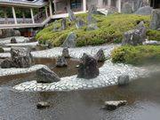 京都の現代的作庭。石の配置に美を見出す民族もあまりいないのではないのだろうか?
