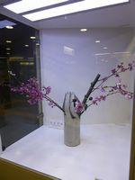駅の楚々とした生花